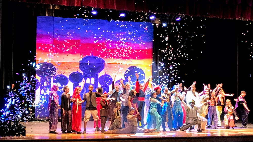Memorial Middle School Theater Department Puts on Aladdin Jr.
